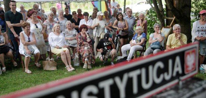 Dziesiątki olsztynian wyznało, w jakiej Polsce chcieliby żyć. Etap Tour de Konstytucja odbył się w Olsztynie [ZDJĘCIA]