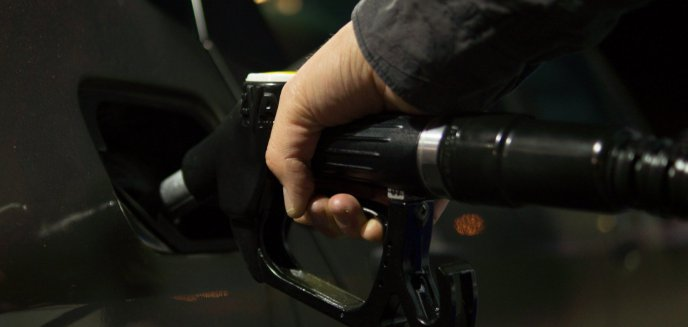 Artykuł: Cena benzyny najwyższa od siedmiu lat! Eksperci nie mówią o spadkach
