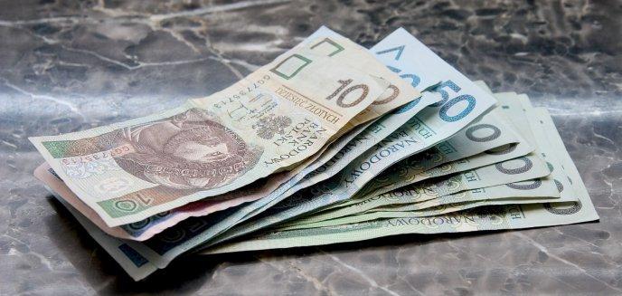 Artykuł: Płaca minimalna w 2022 r. pójdzie w górę. Zmiany obejmą ponad 2 mln Polaków