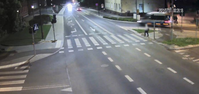Artykuł: Pijany 27-latek, z amfetaminą w kieszeni, uciekał policjantom głównymi ulicami Olsztyna [WIDEO]