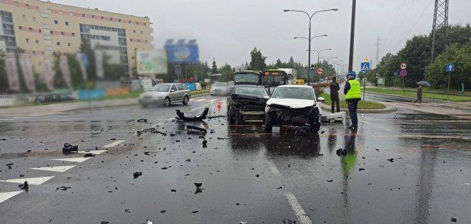 Artykuł: Pada deszcz, jest ślisko na drogach. Kilka kolizji w Olsztynie i okolicach [ZDJĘCIA] [AKTUALIZACJA]