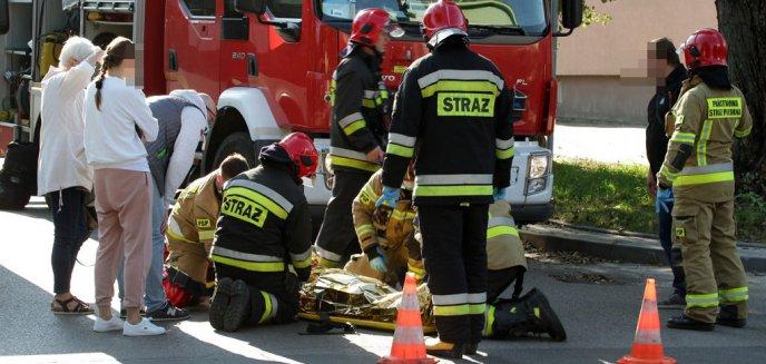 Artykuł: Wypadek na Zatorzu. 67-letnia kobieta została potrącona na pasach [ZDJĘCIA]