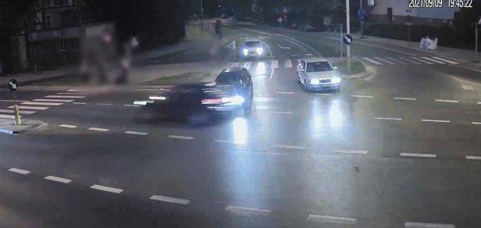 Artykuł: Niebezpiecznie na drogach Olsztyna: dachowanie i przejazd na czerwonym świetle [WIDEO]