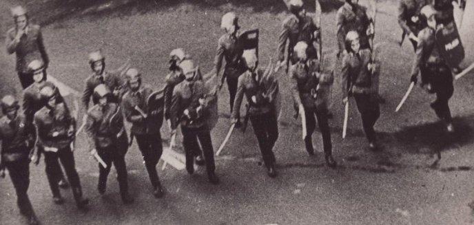 Artykuł: Historia. Jak przedstawiciele resortów siłowych w Bartoszycach ''demoralizowali się'' w grudniu 1953 r.  - czyli tzw. afera bartoszycka