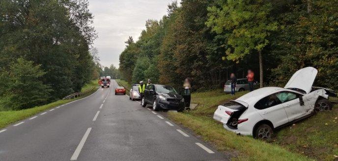 Na DK 51 zderzyły się dwa auta osobowe