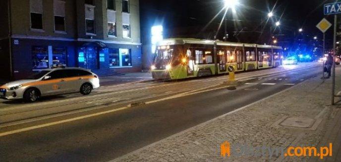 Artykuł: Pasażerka tramwaju miała zawał serca. Motorniczy uratował jej życie