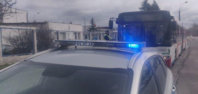61-latek ''zapomniał'' maseczki w autobusie. Zamiast otrzymania mandatu trafił do aresztu