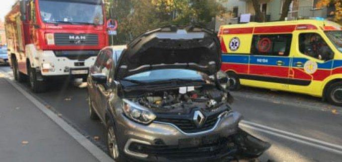 Osiedle Podleśna. 69-latek zasłabł za kierownicą i zderzył się z innym pojazdem