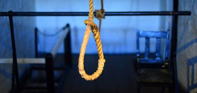 Artykuł: 46-latek chciał się powiesić na drzewie w Olsztynie. Pomoc przyszła w ostatniej chwili