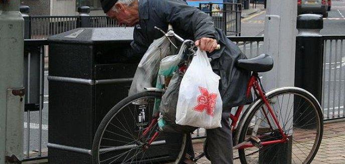 Artykuł: Chcą być bezdomni?