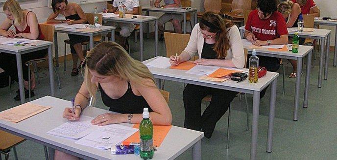 Artykuł: Czas podjąć decyzję - poradnik dla olsztyńskich gimnazjalistów