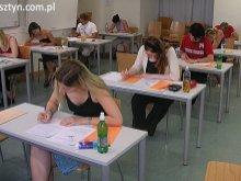 Czas podjąć decyzję - poradnik dla olsztyńskich gimnazjalistów