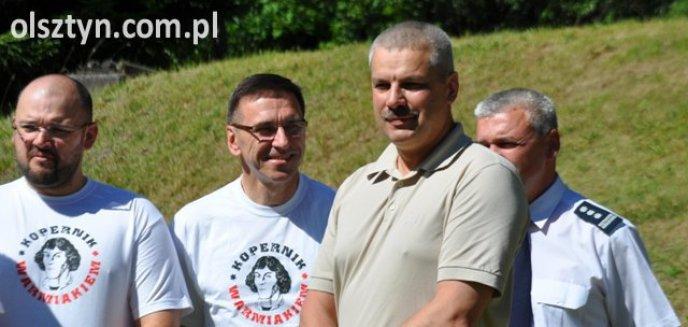 Artykuł: Samorządowcy i komendanci spotkali się...na strzelnicy