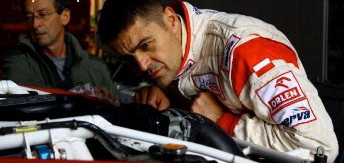 Artykuł: Hołowczyc walczy o pozycję lidera w Pucharze Baja FIA