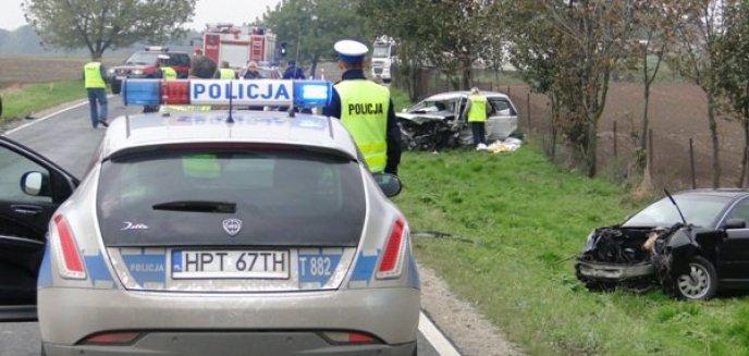 Artykuł: Tragiczny wypadek na krajowej 15 – zginął policjant będący na służbie