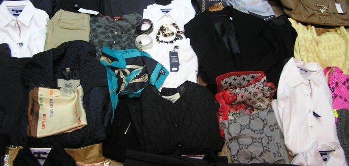Artykuł: Podrobiona odzież i galanteria w sklepie na Starówce