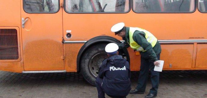 Artykuł: 70 uczniów ''upchniętych'' w jednym autobusie