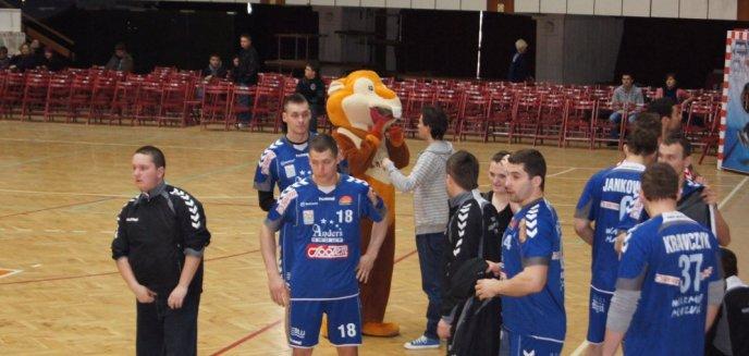 Artykuł: Warmia zagra w piłkę ręczną, a prezydent i Mamed Khalidov w tenisa stołowego