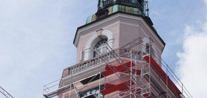Artykuł: Wieża ratuszowa z opóźnieniem